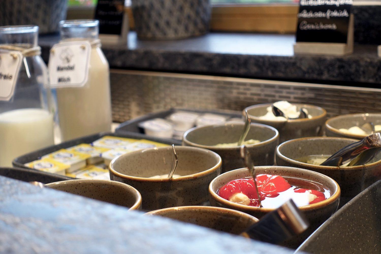 Detailansicht einer Kühleinheit im Frühstücksbuffet