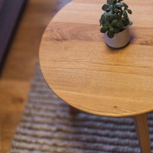 Heimisches Holz und warme Naturtöne im Aparthotel Ursprung
