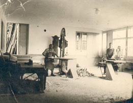 Alte Aufnahme aus der Tischlerei-Werkstatt Schwab-Walcher