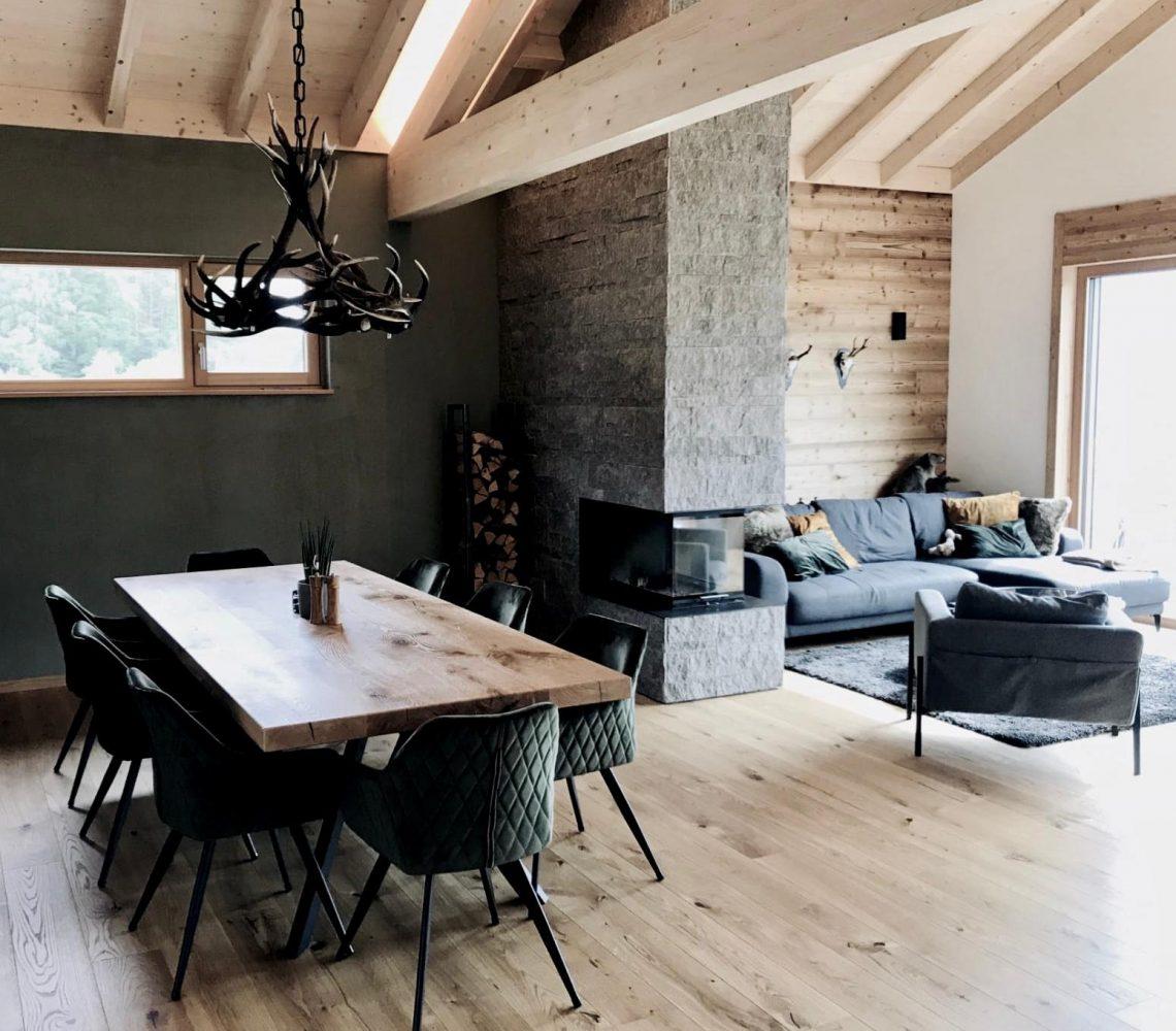Privathaus - Indviduell gestalteter, offener Wohn-Essbereich