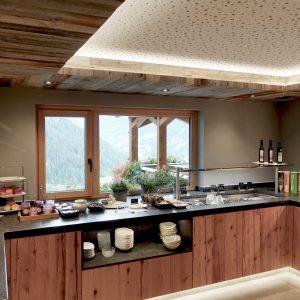 Neu gestaltetes, modernes Frühstücksbuffet
